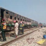 Tren otobüse çarptı: 19 ölü, 8 yaralı