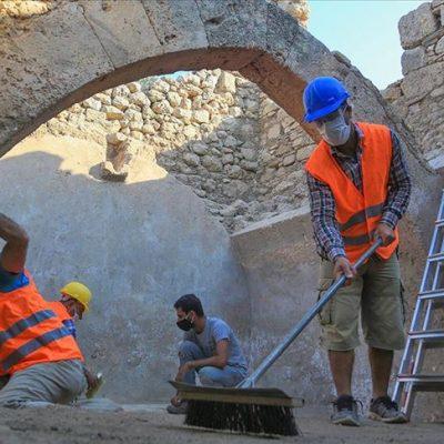 Beçin Antik Kenti'nde, 700 yıllık olduğu değerlendirilen sarnıç bulundu